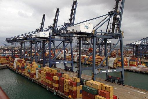 Přednáška k aktuálním výzvám společné obchodní politiky EU